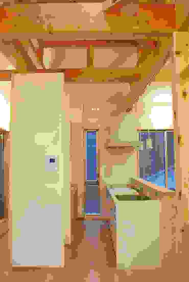 長等の家 モダンな キッチン の 西川真悟建築設計 モダン
