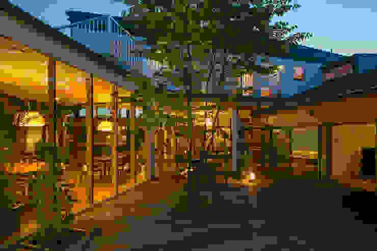 Jardins  por 有限会社加々美明建築設計室,