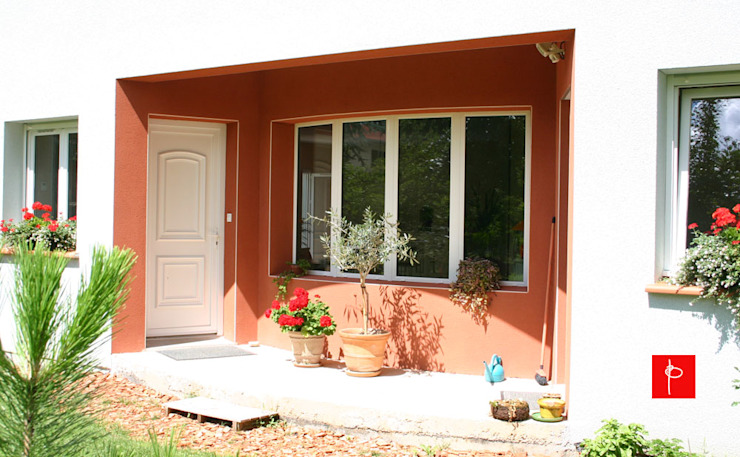 Minimalist balcony, veranda & terrace by homify Minimalist