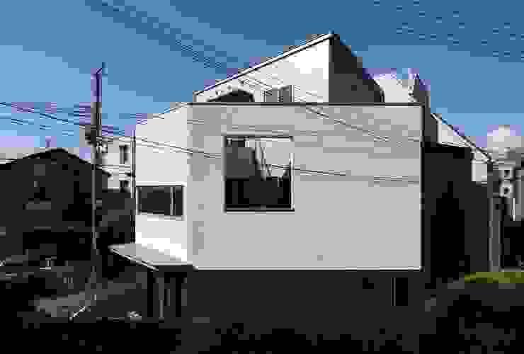 東側ファサード 一級建築士事務所エイチ・アーキテクツ モダンな 家