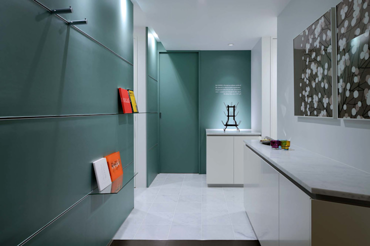 玄関ホール 一級建築士事務所エイチ・アーキテクツ モダンな 壁&床