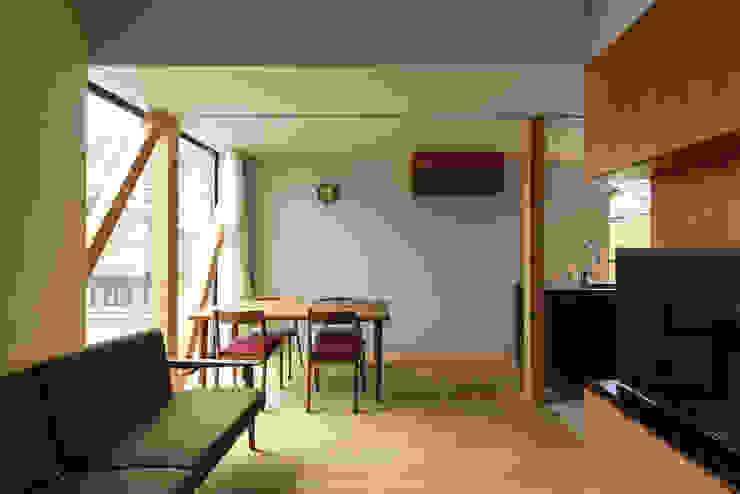 Y-House: タカヤマ建築事務所が手掛けたダイニングです。,ミニマル