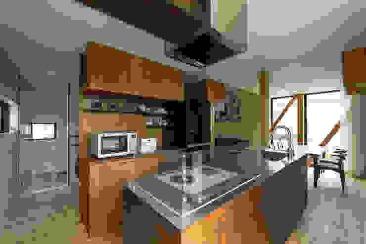 Y-House: タカヤマ建築事務所が手掛けたキッチンです。,ミニマル