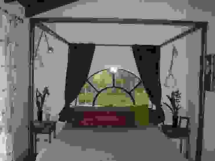 la camera padronale Camera da letto in stile classico di STUDIO DI ARCHITETTURA CLEMENTI Classico