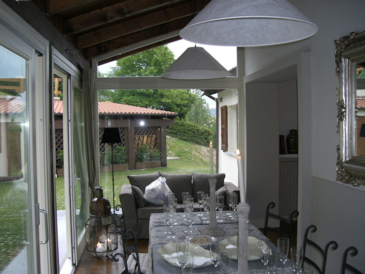 la veranda Finestre & Porte in stile classico di STUDIO DI ARCHITETTURA CLEMENTI Classico