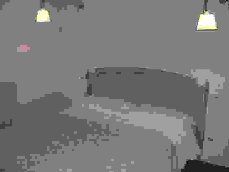 una camera figli Camera da letto in stile classico di STUDIO DI ARCHITETTURA CLEMENTI Classico