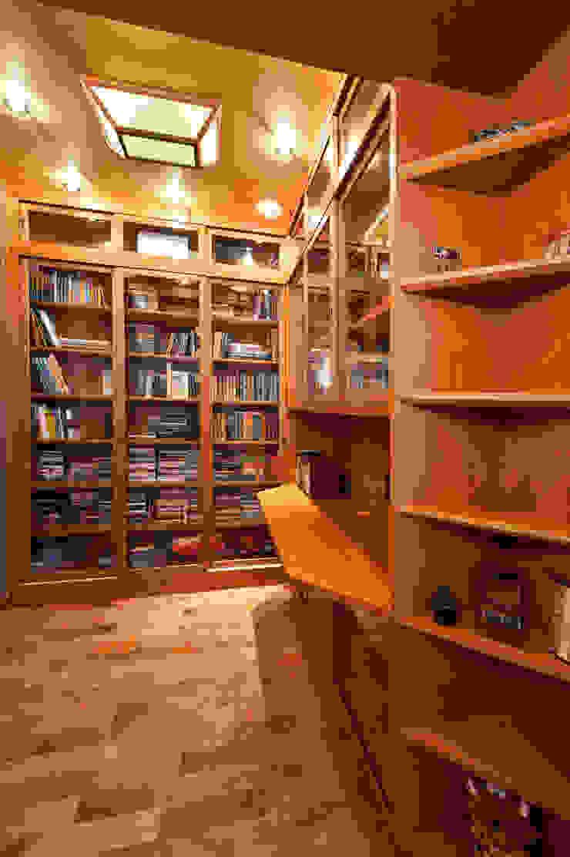 Квартира Рабочий кабинет в классическом стиле от Кирилл Губаревич Классический