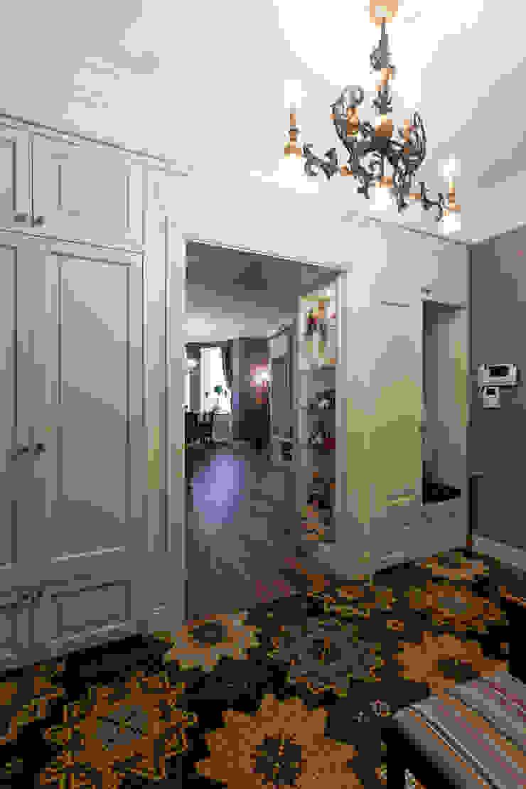 Квартира на набережной. Коридор, прихожая и лестница в эклектичном стиле от А-Дизайн Эклектичный