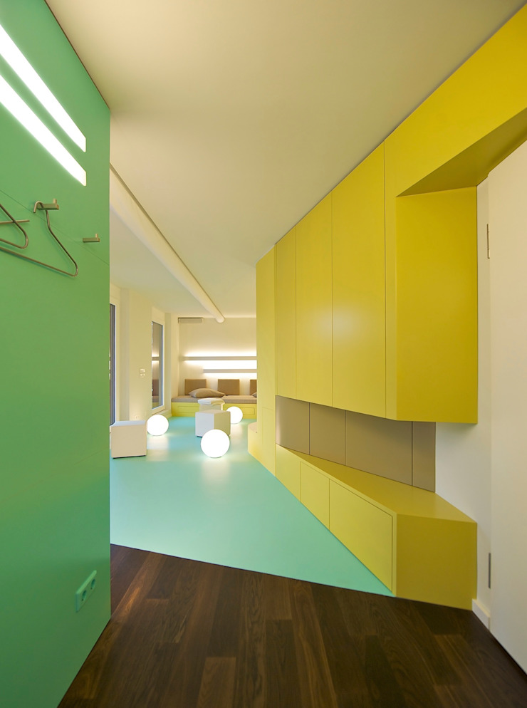 Eclectic style corridor, hallway & stairs by 3rdskin architecture gmbh Eclectic