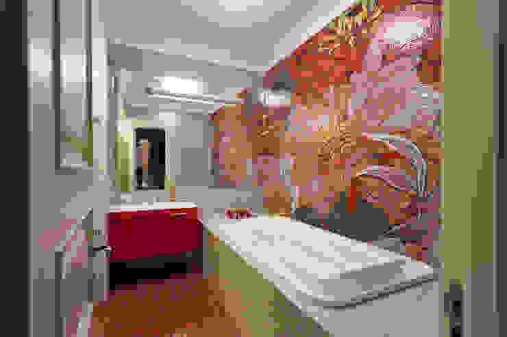 Квартира на набережной. Ванная комната в стиле модерн от А-Дизайн Модерн