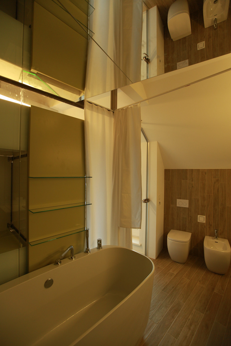 Eclectic style bathroom by 3rdskin architecture gmbh Eclectic