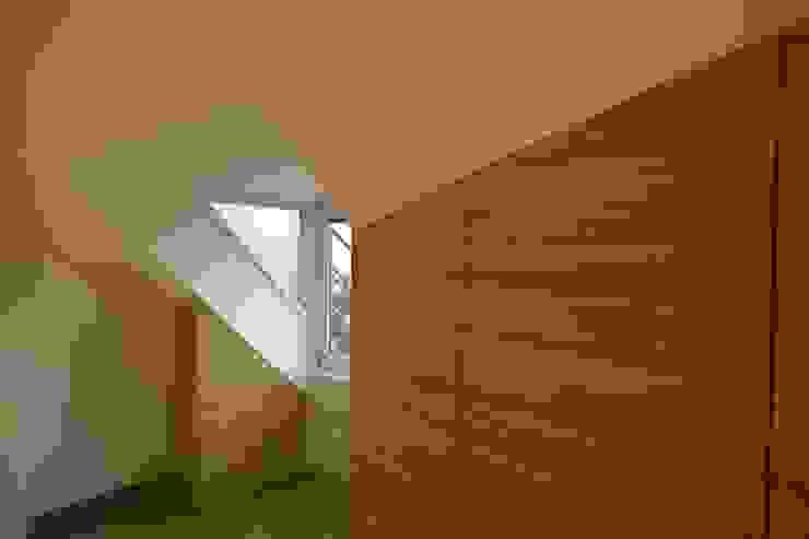 3rdskin architecture gmbh Corredor, hall e escadasArrumação
