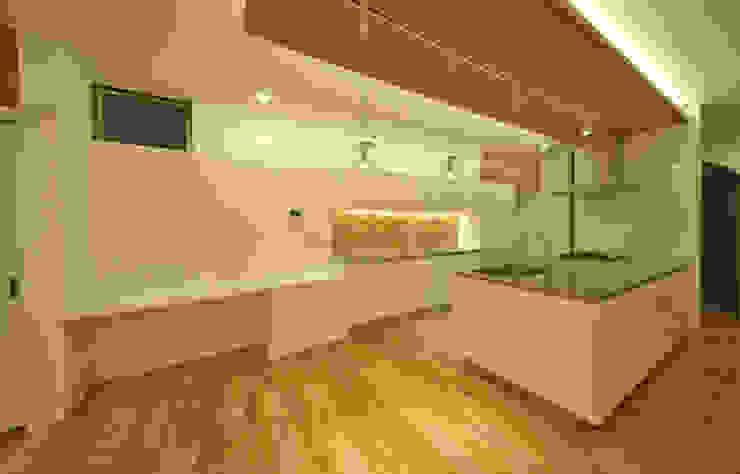 音楽室のある家 オリジナルデザインの キッチン の エヌスペースデザイン室 オリジナル