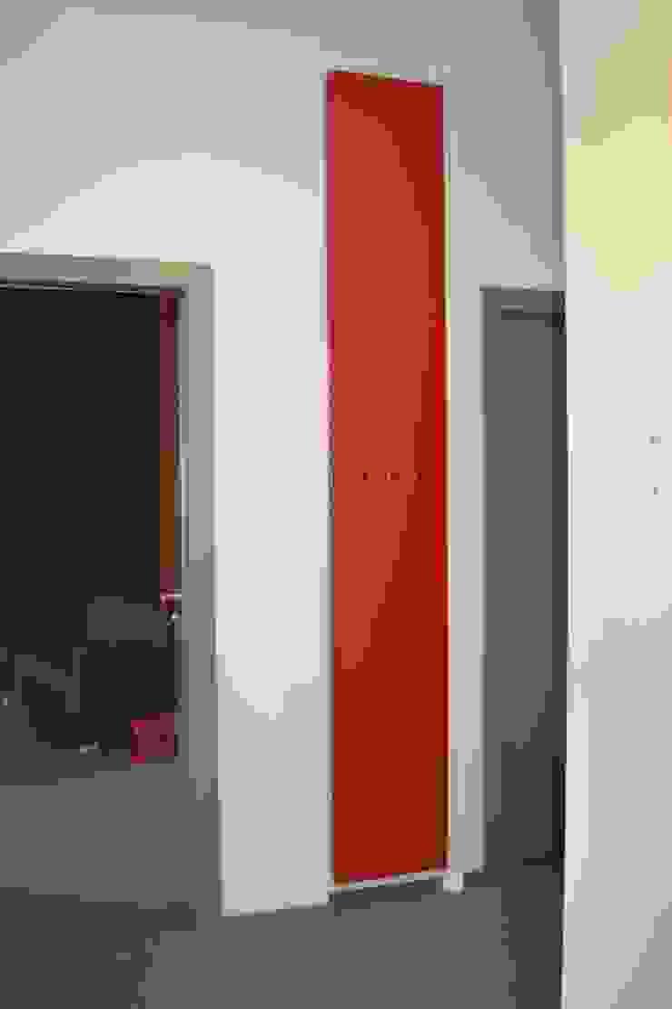 Restyling appartamento a Novara Soggiorno moderno di LUTOPIE Luisa Bernasconi Moderno