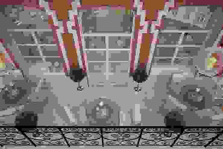 Терасса Балкон и терраса в классическом стиле от STONE design Классический