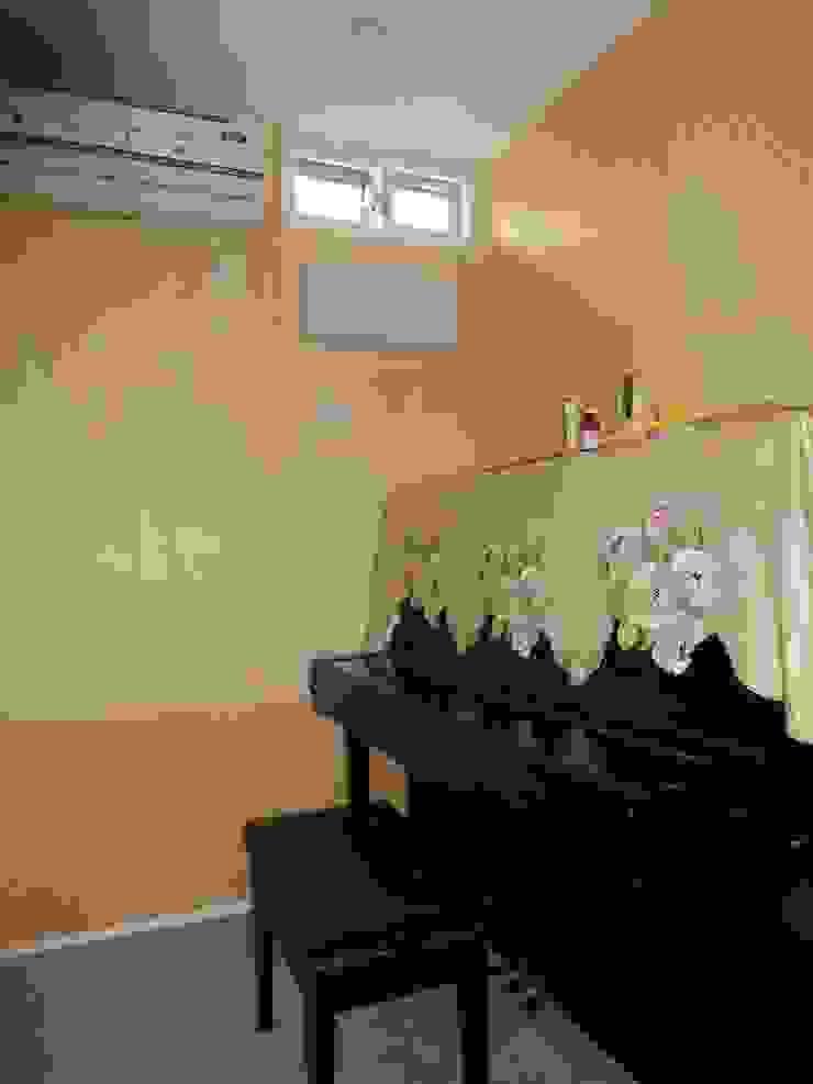 エヌスペースデザイン室 Eclectic style walls & floors