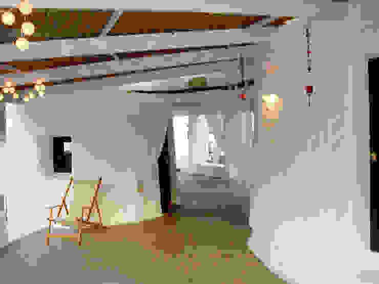 Balcone, Veranda & Terrazza in stile mediterraneo di Deu i Deu Mediterraneo