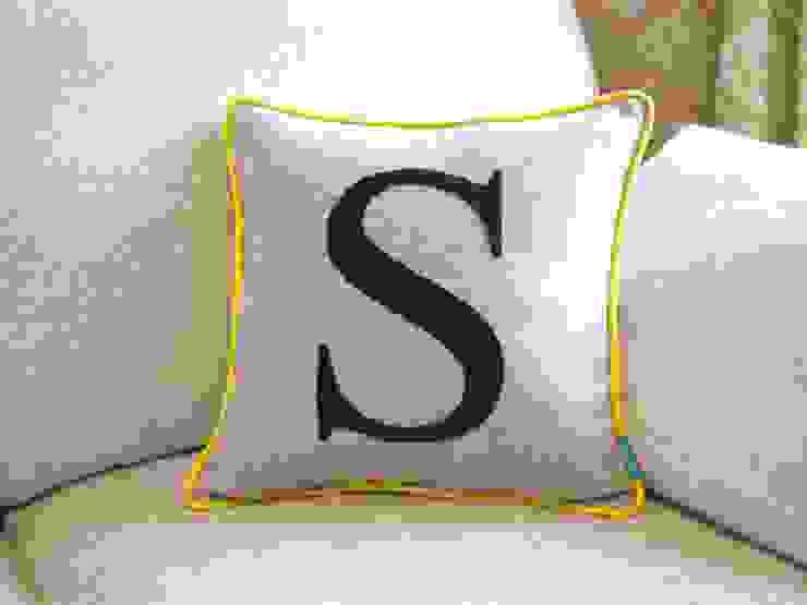 Monogrammed Colour Flash Cushion with Yellow Piping Kate Sproston Design Salas/RecibidoresAccesorios y decoración