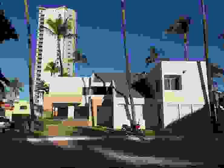 fachada Casas modernas de Arki3d Moderno