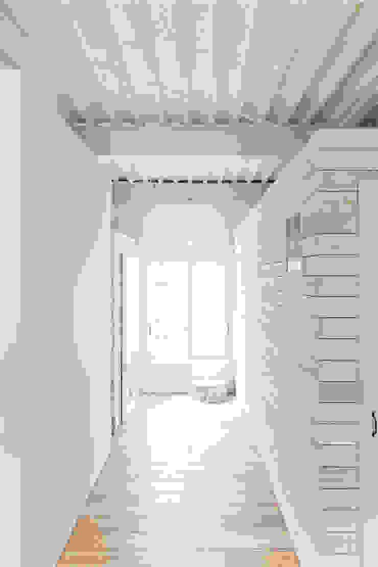 MIYAHARA-U オリジナルスタイルの 玄関&廊下&階段 の 建築設計事務所 可児公一植美雪/KANIUE ARCHITECTS オリジナル 鉄/鋼