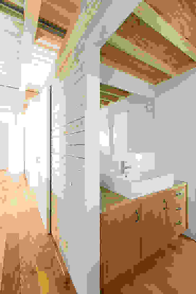 MIYAHARA-U オリジナルスタイルの お風呂 の 建築設計事務所 可児公一植美雪/KANIUE ARCHITECTS オリジナル 木 木目調