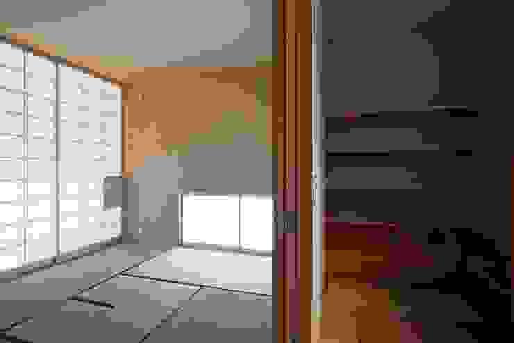 本格的な茶室/客人にお茶を点てておもてなし クラシックデザインの 多目的室 の 根岸達己建築室 クラシック 無垢材 多色