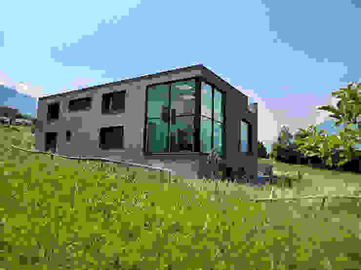 Modern houses by architetta schiers ag Modern