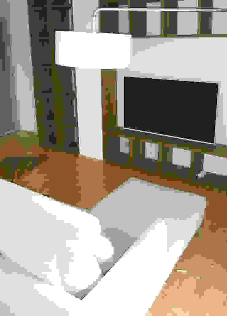 modern wohnen mit einem Hauch von Skandinavien Skandinavische Wohnzimmer von Innenarchitektur-Moll Skandinavisch