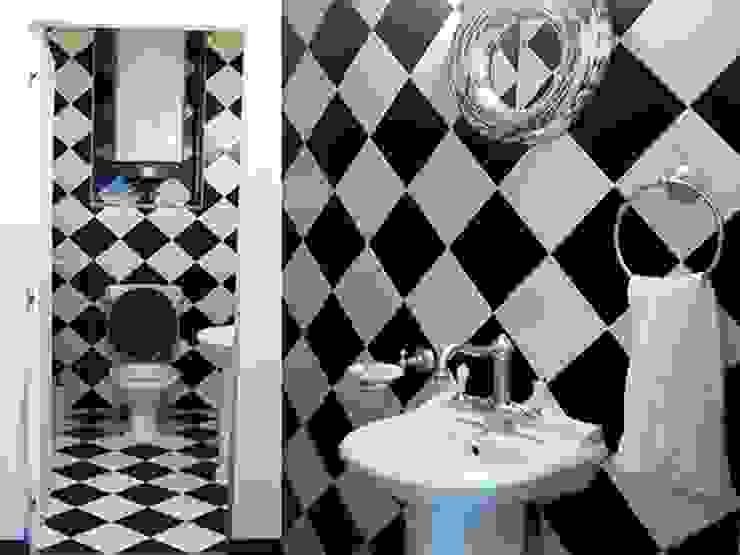 Интерьер квартиры на ул. Кирочная, Санкт-Петербург Ванная комната в эклектичном стиле от Архитектурное бюро Борщ Эклектичный
