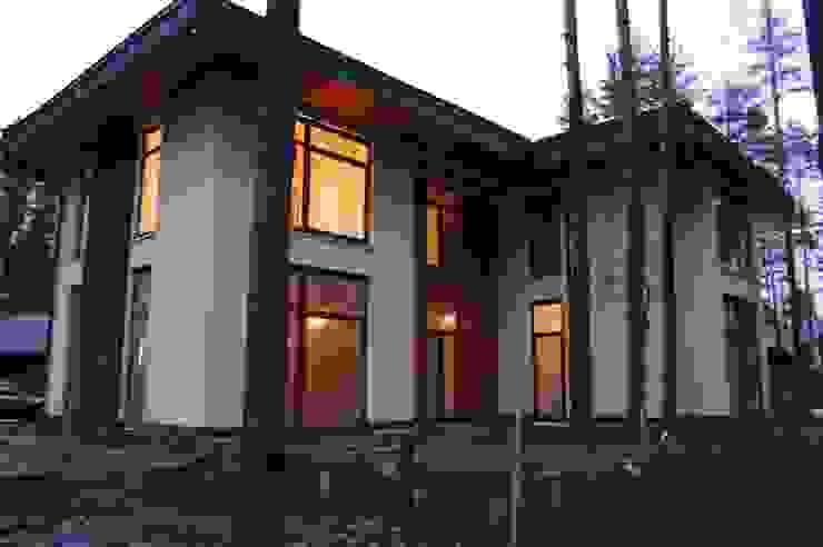 Модерн под Райта в Белоострове Дома в стиле модерн от АРХ студия Антона Никитина Модерн