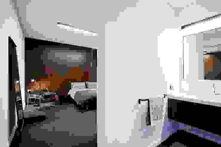 A-Mimarlık İnşaat Sanayi ve Tic. Ltd. Şti. – Murat Süter Villa:  tarz Yatak Odası