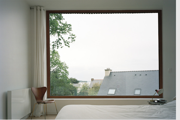 ミニマルスタイルの 寝室 の RAUM ミニマル