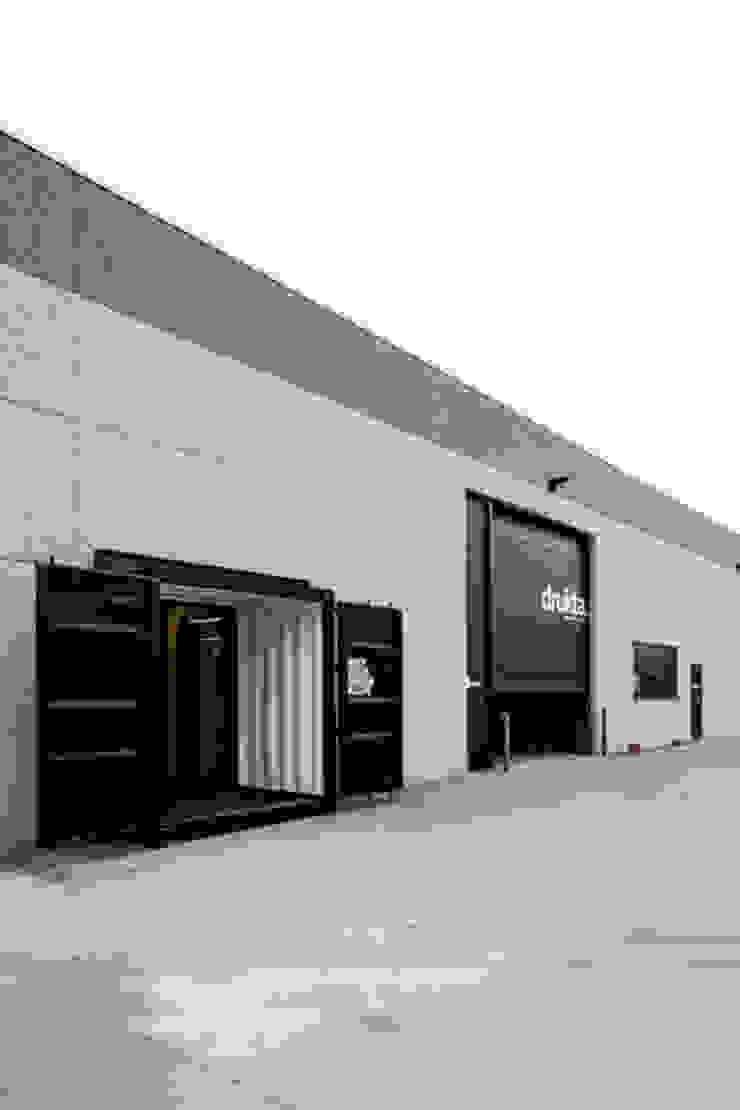 Container Offices Minimalistische kantoor- & winkelruimten van FIVE AM Minimalistisch