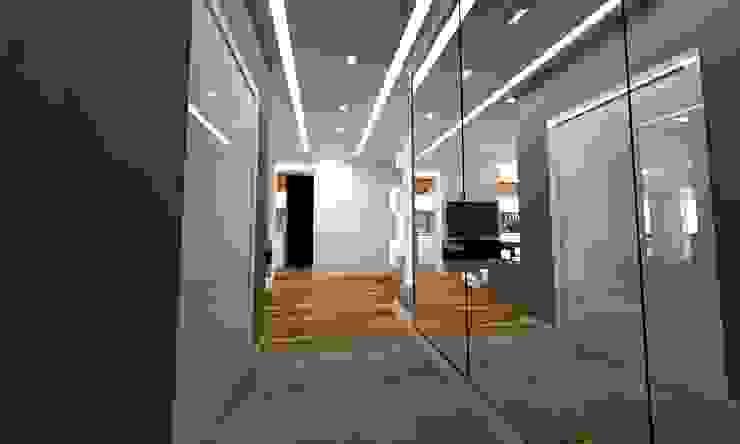 Pasillos, vestíbulos y escaleras escandinavos de WW Studio Architektoniczne Escandinavo