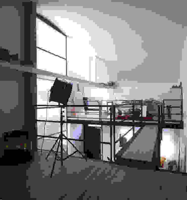 loft gemelli Camera da letto in stile industriale di antonio maria becatti architetto Industrial