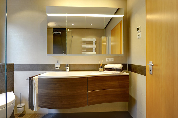 Baños modernos de Koster GmbH Moderno