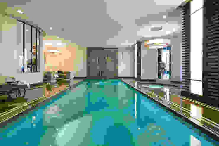 Suburban villa: Winnington Road Nowoczesny basen od Wolff Architects Nowoczesny