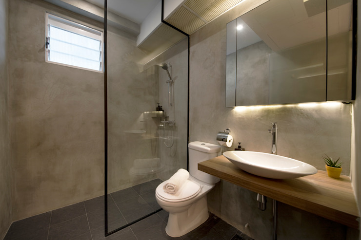 Compassvale Ancilla:  Bathroom by Eightytwo Pte Ltd,Industrial