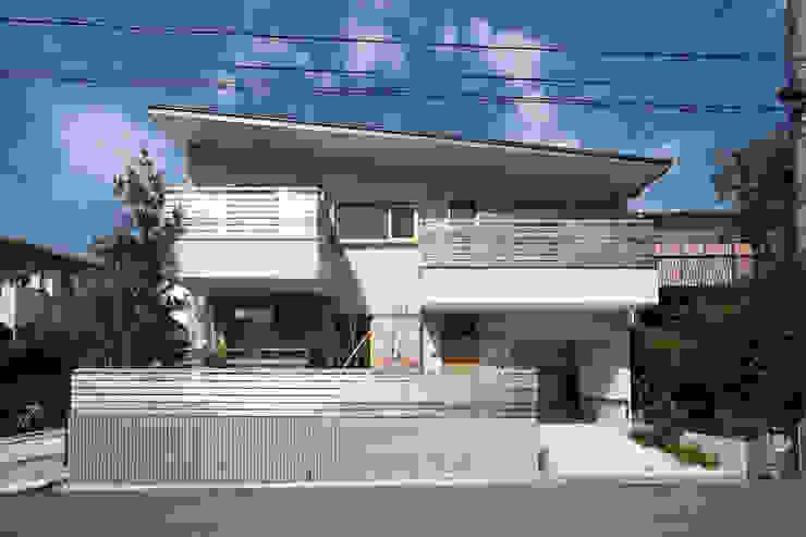 Nhà phong cách chiết trung bởi 佐藤重徳建築設計事務所 Chiết trung