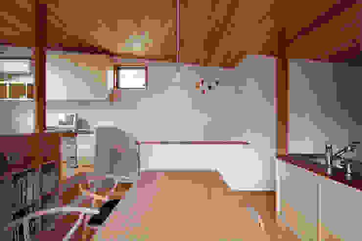 葉山の住宅 オリジナルデザインの ダイニング の 佐藤重徳建築設計事務所 オリジナル