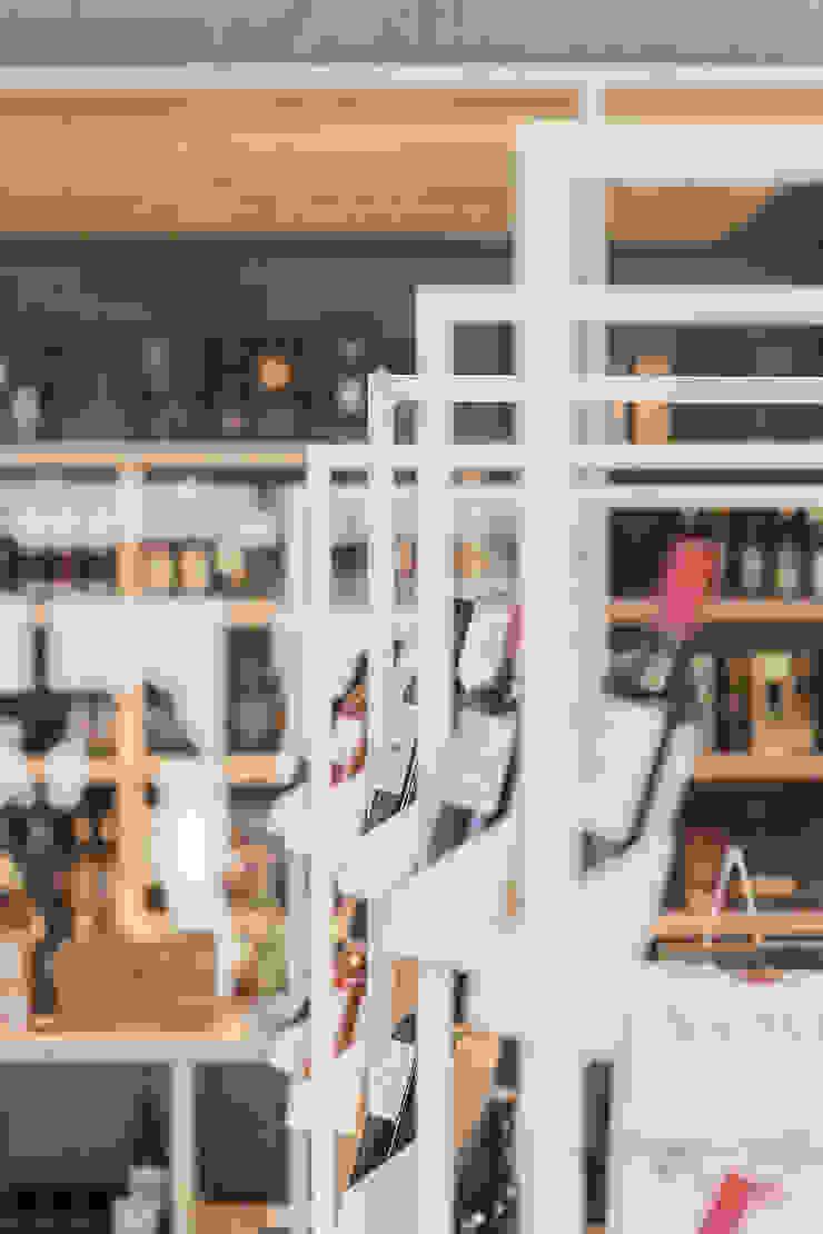 Crombé 3.0 Minimalistische kantoor- & winkelruimten van FIVE AM Minimalistisch