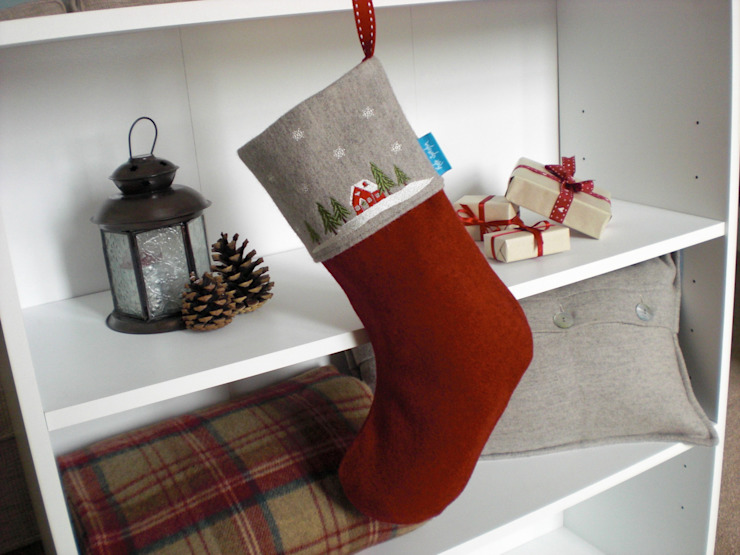 Winter Lodge Christmas Stocking by Kate Sproston Design Кантрi