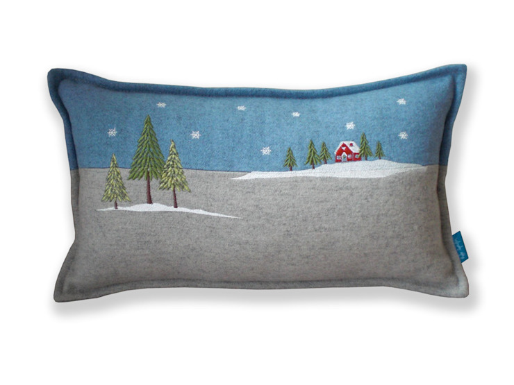 Winter Lodge Embroidered Cushion от Kate Sproston Design Кантри