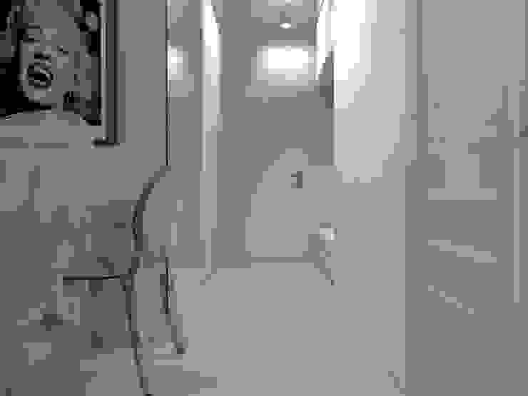 mieszkanie w Działdowie Eklektyczny korytarz, przedpokój i schody od ap. studio architektoniczne Aurelia Palczewska-Dreszler Eklektyczny