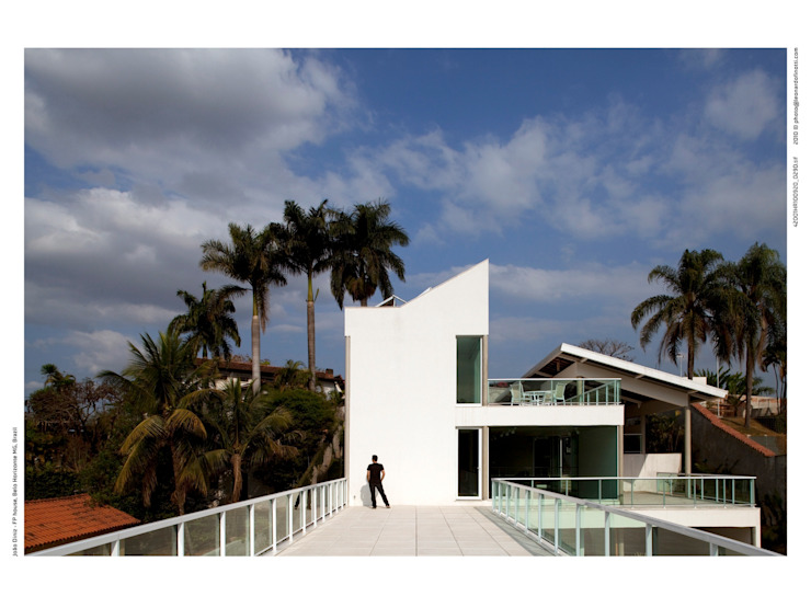 Casa FP por Joao Diniz Arquitetura Casas modernas por JOAO DINIZ ARQUITETURA Moderno
