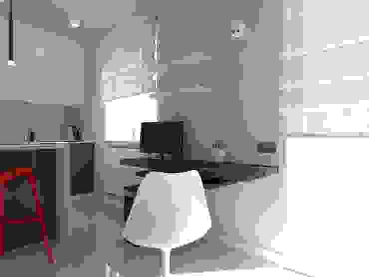 minimalistyczne mieszkanie w Iławie Minimalistyczne domowe biuro i gabinet od ap. studio architektoniczne Aurelia Palczewska Minimalistyczny