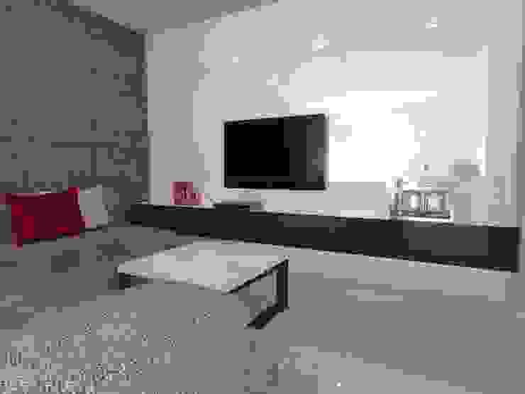 minimalistyczne mieszkanie w Iławie Minimalistyczny salon od ap. studio architektoniczne Aurelia Palczewska Minimalistyczny