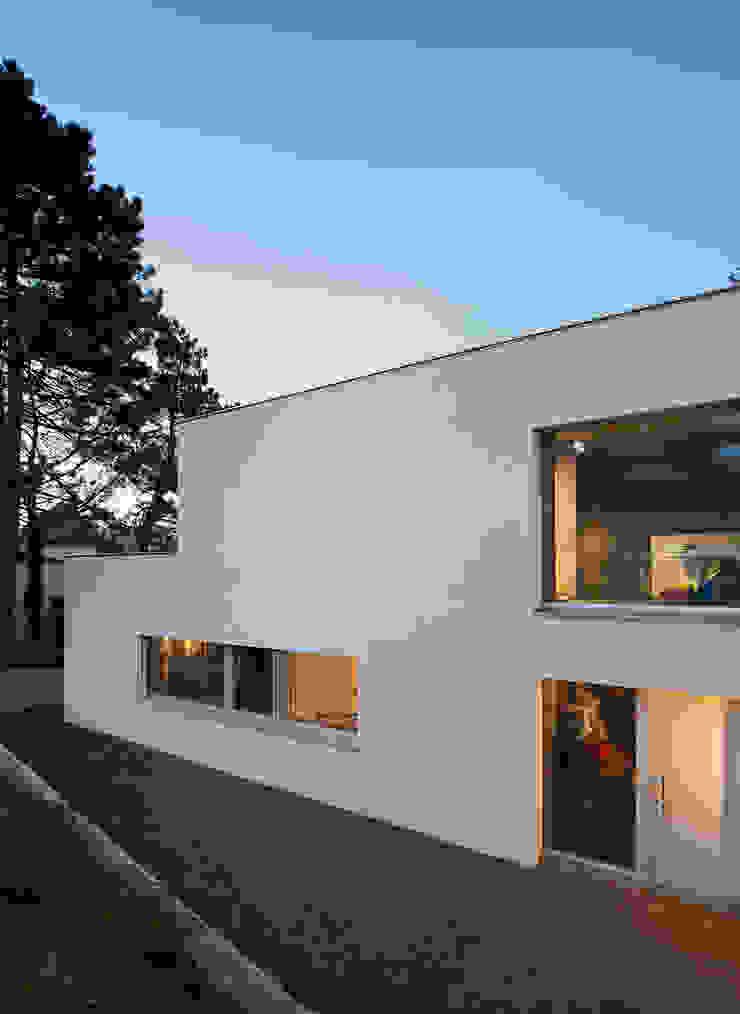 Modern home by Abendroth Architekten Modern