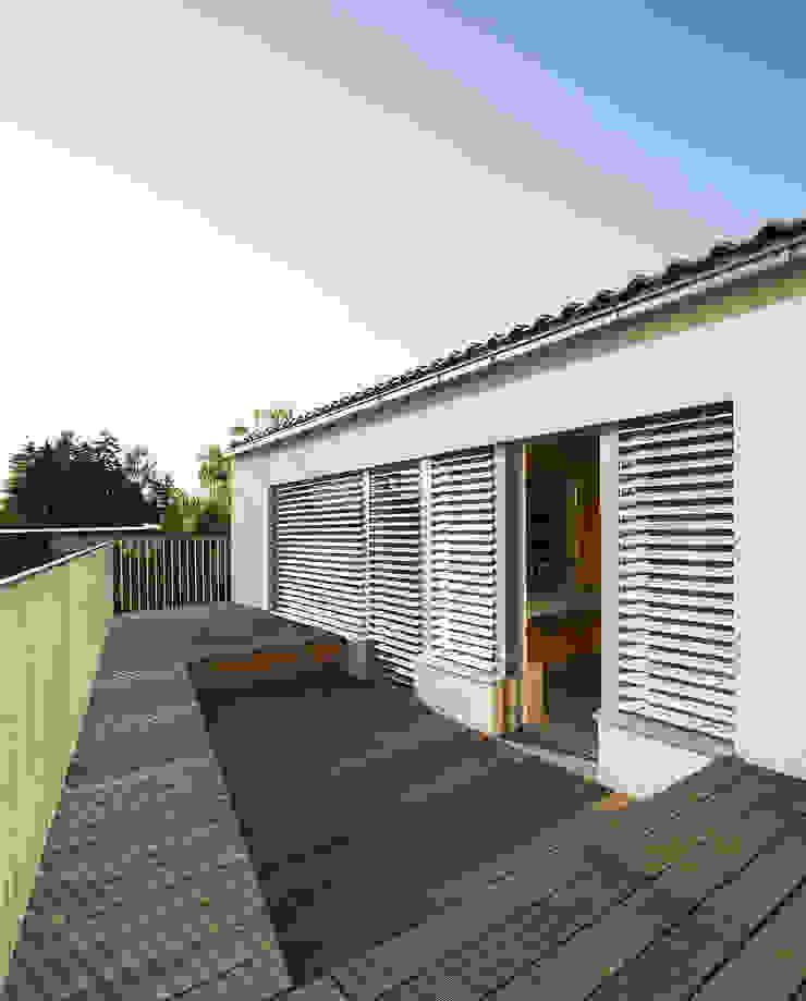 Terrasse - OG Abendroth Architekten Moderner Balkon, Veranda & Terrasse