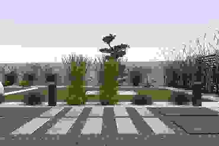 ogród w Mławie Minimalistyczny ogród od ap. studio architektoniczne Aurelia Palczewska-Dreszler Minimalistyczny